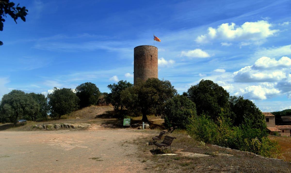 Escapada amb cotxe als castells de l'Anoia - Torre Manresana @Àngela Llop